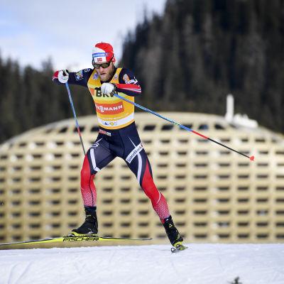 Martin Johnsrud Sundby åker skidor.