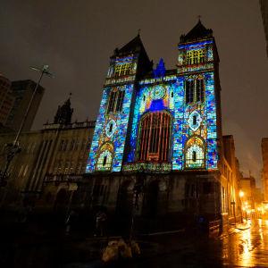 Ljusprojektioner på Basilica de Sao Bento i São Paulo.