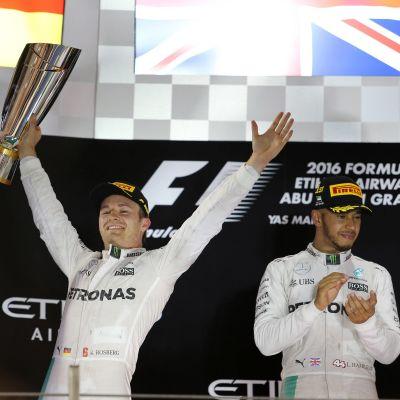 Nico Rosberg juhli maailmanmestaruutta.