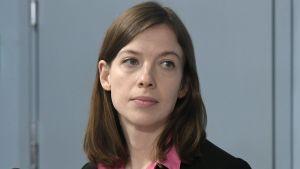 Undervisningsminister Li Andersson på regeringens presskonferens 8.4.2020