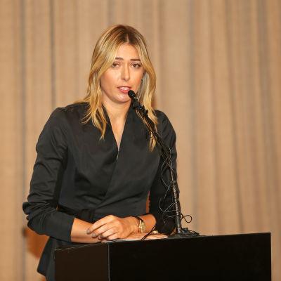 Maria Sjarapova på presskonferensen där hon avslöjade att hon åkt fast för dopning.