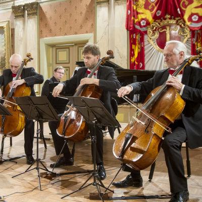 Rastrelli cellokvartett spelar i Vasa stadshus