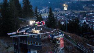 Antti Aalto hoppar backe i Oberstdorf, december 2016.