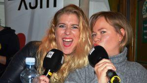Pernilla Karlsson och Johanna Dikert i X3M:s Stiftelsen på Musik & Talang i Vasa.