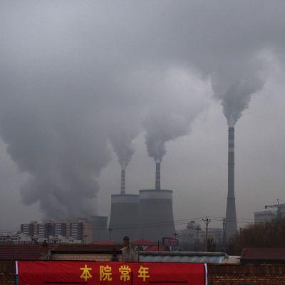 Hiilivoimala Datonigssa, Kiinassa.