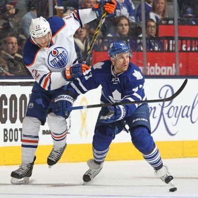 Leo Komarov spelade i Torontos fjärde kedja mot Edmonton.