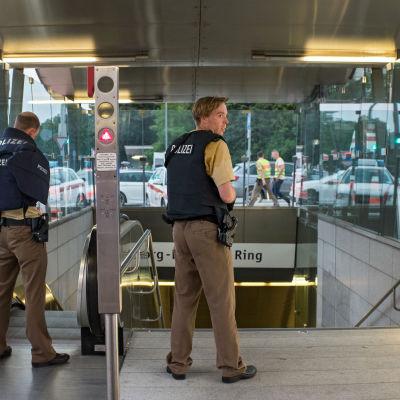 Polis i köpcenter  i München