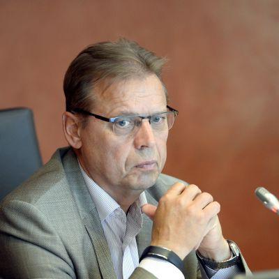 Fackcentralen FFC:s ordförande Lauri Lyly vid en presskonferens den 11 september 2015.