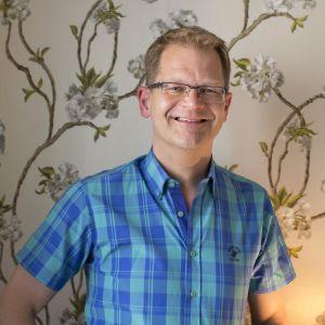 Niklas Wenman är hörselskadad