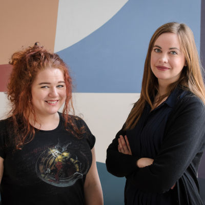 Lillie Klefelt och Oliva Mattsson från Female Legends