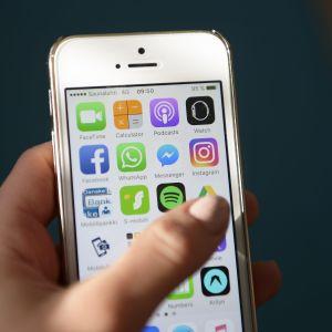En bild på appar i en telefon.
