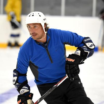 Teemu Selänne grundar ishockeyakademi.