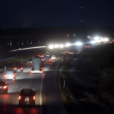 Trafik på Lahtisvägen vid Mäntsälä den 19 december 2014.