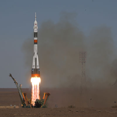 Sojuz skjuts iväg mot internationella rymdstationen den 11.10.2018.