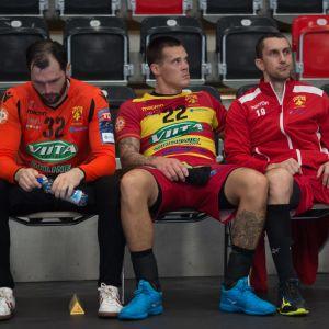 Giedrius Morkunas, Nico Rönnberg och Bojan Zupanjac deppar efter det oavgjorda resultatet borta mot Wacker Thun i Champions League hösten 2018.