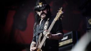 Lemmy Kilmister vid Roskildefestivalen 2010.