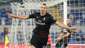 Zlatan Ibrahimovic firar mål.