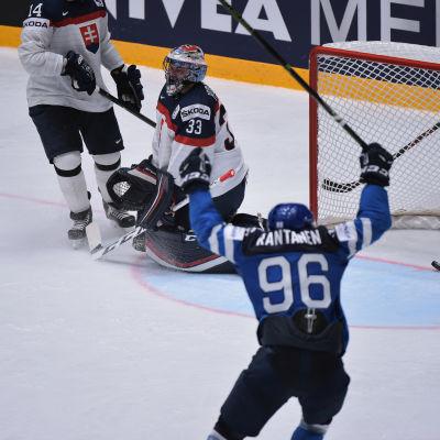 Mikko Rantanen blev svaret på Kari Jalonens sista laguppställningsfråga.