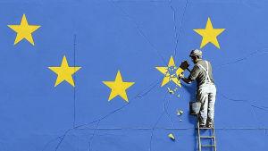 Banksys syn på brexit kan ses i Dover i Storbritannien.