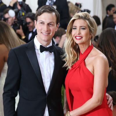 Jared Kushner tillsammans med sin fru Ivanka Trump.