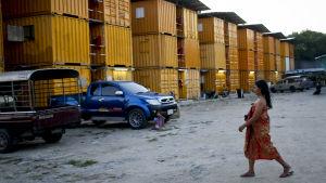 Containerby för burmesiska migrantarbetare i Thailand