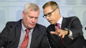 Antti Rinne (SDP) och Alexander Stubb (Saml) informerade om läget i budgetmanglinge på onsdagen.