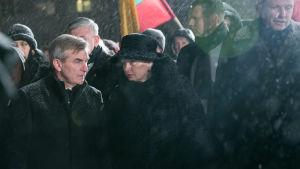 Parlamentets talesman Viktoras Pranckietis (till vänster) och Litauens president Dalia Grybauskaite deltar vid en minnesstund tillägnad offren från 13 januari 1991.