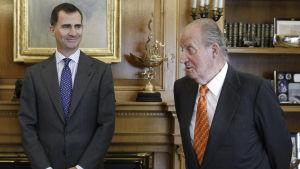 Spanska kungen Juan Carlos, till höger och kronprins Felipe.