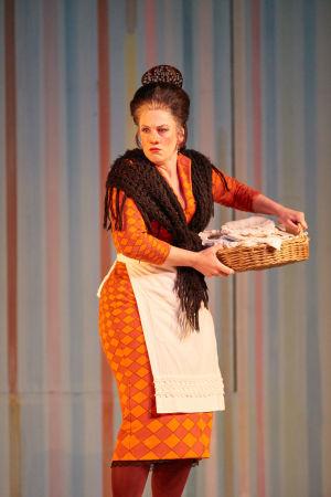 Sevillan parturi (Royal Opera House). Madeleine Pierard (Berta).