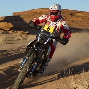 Paulo Goncalves kör motorcykel.