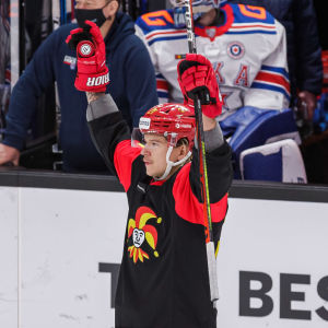 Mika Partanen firar sitt mål mot SKA.