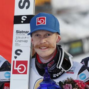 Robert Johansson vann i backhoppning.