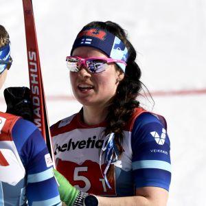 Krista Pärmäkoski talaer med Jasmi Joensuu.