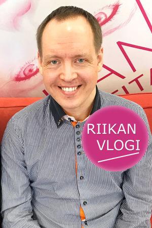 Toimittaja Riikka Holopainen ja kanttori Heikki Hattunen.