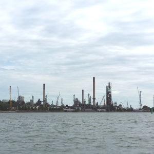 Nådendals oljeraffinaderi.