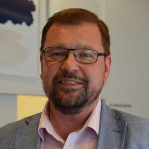 Michael Oksanen.