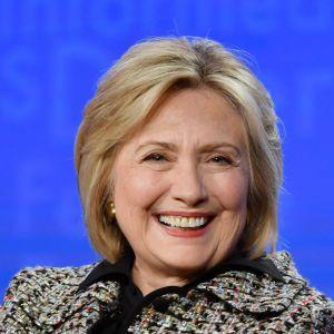 Den förra presidentkandidaten och utrikesministern Hillary Clinton, här på en arkivbild tagen i Kalifornien den 17 januari 2020.