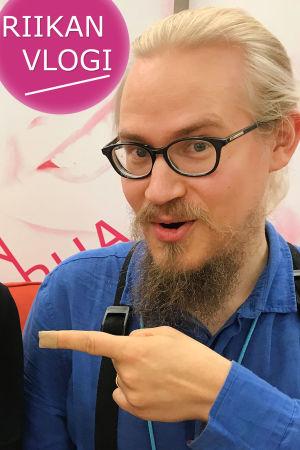 Toimittaja Riikka Holopainen ja säveltäjä-muusikko Niilo Tarnanen