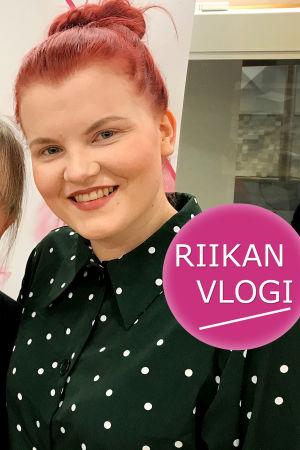 Toimittaja Riikka Holopainen ja näyttelijä Sonja Pajunoja