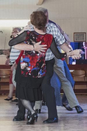 Tanssiva pari