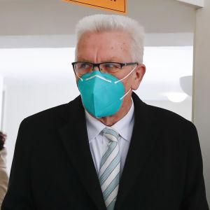 Winfried Kretschmann röstar.