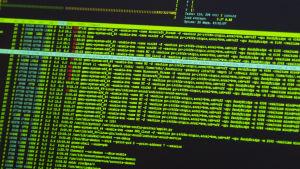 Kod på dataskärm i Hewlett Packards cybersäkerhetscenter i Tyskland 9.9.2014