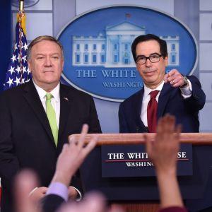Utrikesminister Mike Pompeo och finansminister Steven Mnuchin besvarar frågor i Vita huset 10.1.2020