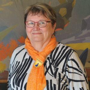 Mia Aitokari och Marja-Leena Tamminen i Fredrikshamn.