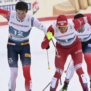 Johannes Hösflot Kläbo och Aleksandr Bolsjunov vid VM.