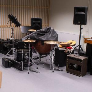 Musikinstrument och högtalare