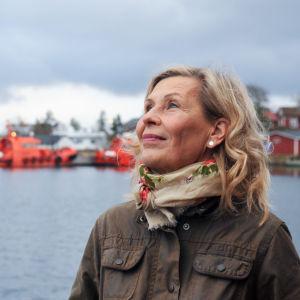 Kirjailija, näytelmäkirjailija Laura Ruohonen