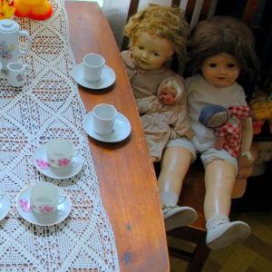 Kaffebjudning i dockmuseet