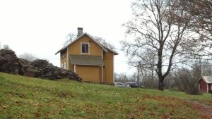 Vaktstuga vid slottsruinerna i Kustö