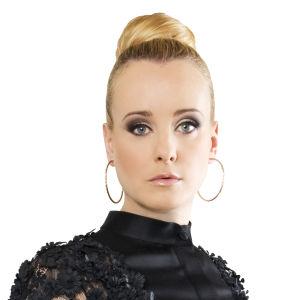 Vuoden 2016 tangolaulukilpailun tuomari Noora Karma.